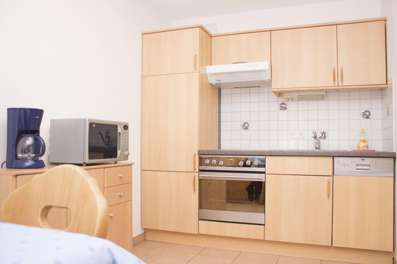 Küche, Mikrowelle und Kaffemaschine in Ferienwohnung 2